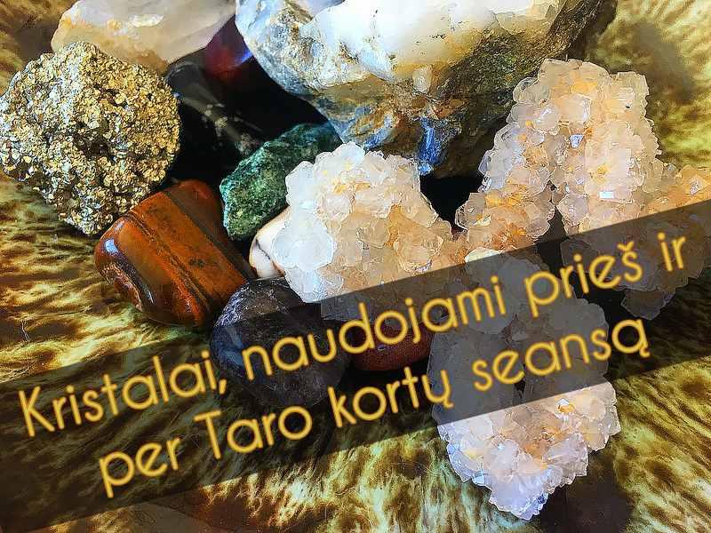 Kristalai, naudojami prieš ir per Taro seansą